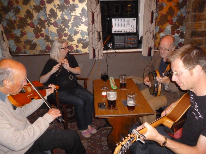 Dave Lyth (fiddle), Bev Whelan (flute), Gordon Johnston (banjo) and Paul Beevers (bouzouki).